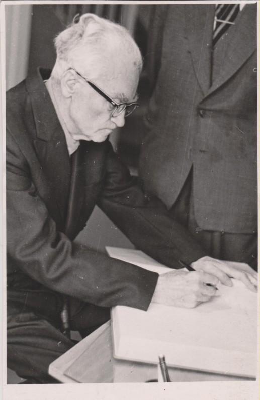 V. Mykolaitis-Putinas Kaune, B. Sruogos mirties metinių minėjime, 1966 m.