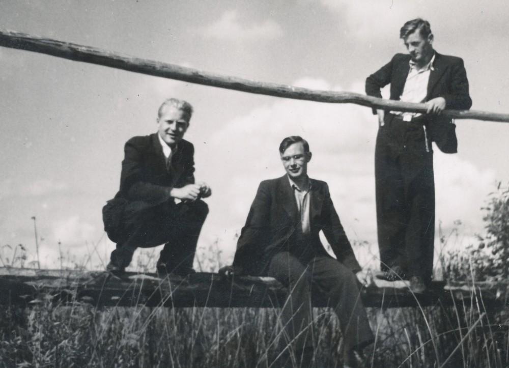 Juozas Jurkus, Paulius Jurkus, Vytautas Mačernis. Žemaičių Kalvarija, 1940 m. vasara