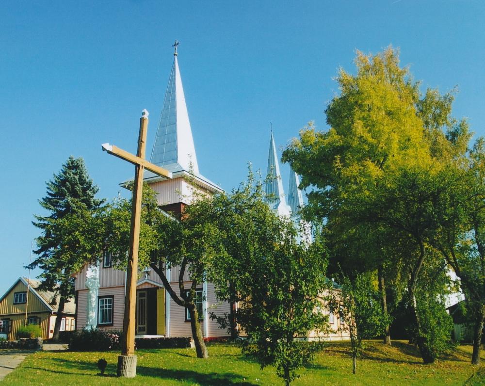Kunigo A. Tatarės statyta klebonija Sintautuose. A. Tatarė, apkaltintas sukilėlių rėmimu, buvo ištremtas
