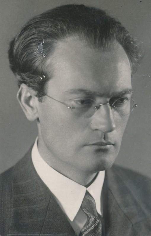 Vincas Mykolaitis-Putinas. Apie 1935 m.