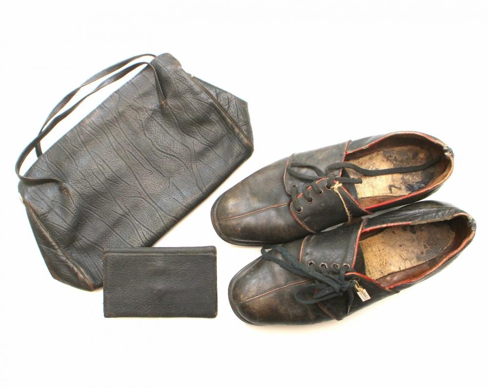 Žemaitės bateliai, piniginė ir rankinukas