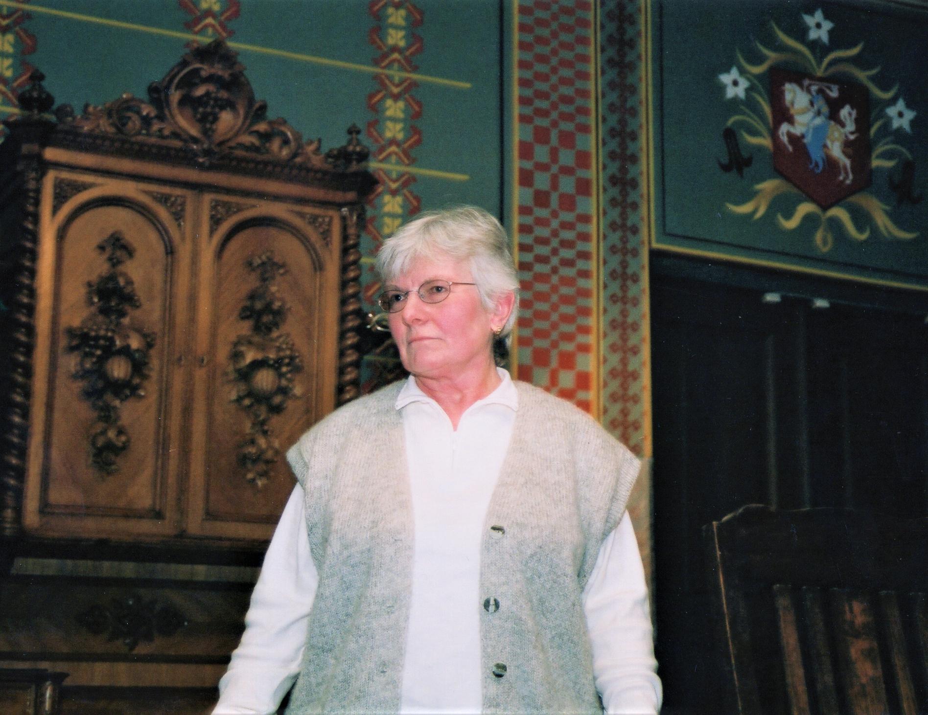Poetė M. Stankus-Saulaitis Maironio lietuvių literatūros muziejuje. Kaunas, 2003 03 14