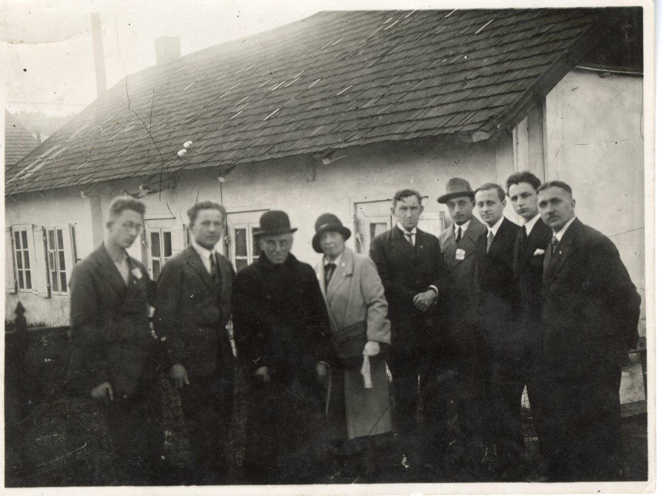 A. Jakštas su Kauno esperantininkais. 1931 m.