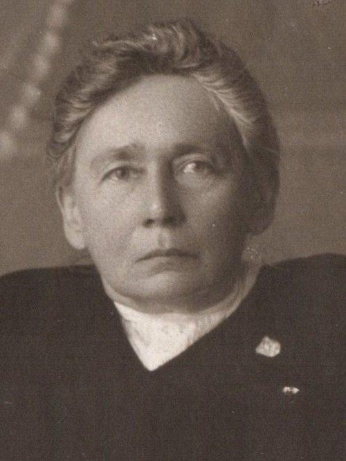 G. Petkevičaitė 1920 m. Portretas, pagal kurį dailininkas Adomas Varnas kūrė pašto ženklą