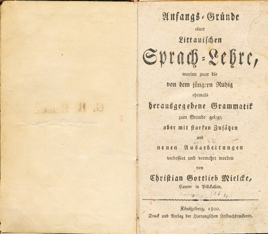 """Kristijonas Gotlybas Milkus. """"Lietuvių kalbos mokslo pradmenys"""". Karaliaučius. 1800 m. Knyga vokiečių kalba. Skyriuje """"Trumpas lietuvių poezijos vadovas"""" pirmą kartą išspausdinta 18 eilučių iš K. Donelaičio """"Metų"""""""