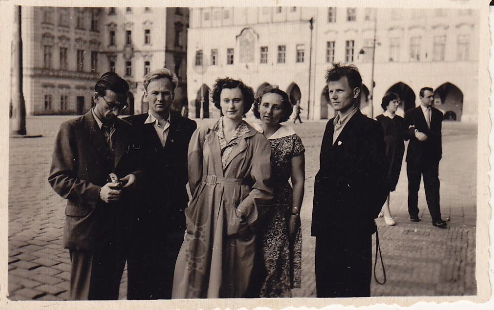 A. Baltrūnas, I. Kostkevičiūtė, V. Zaborskaitė Prahoje. 1955 m.
