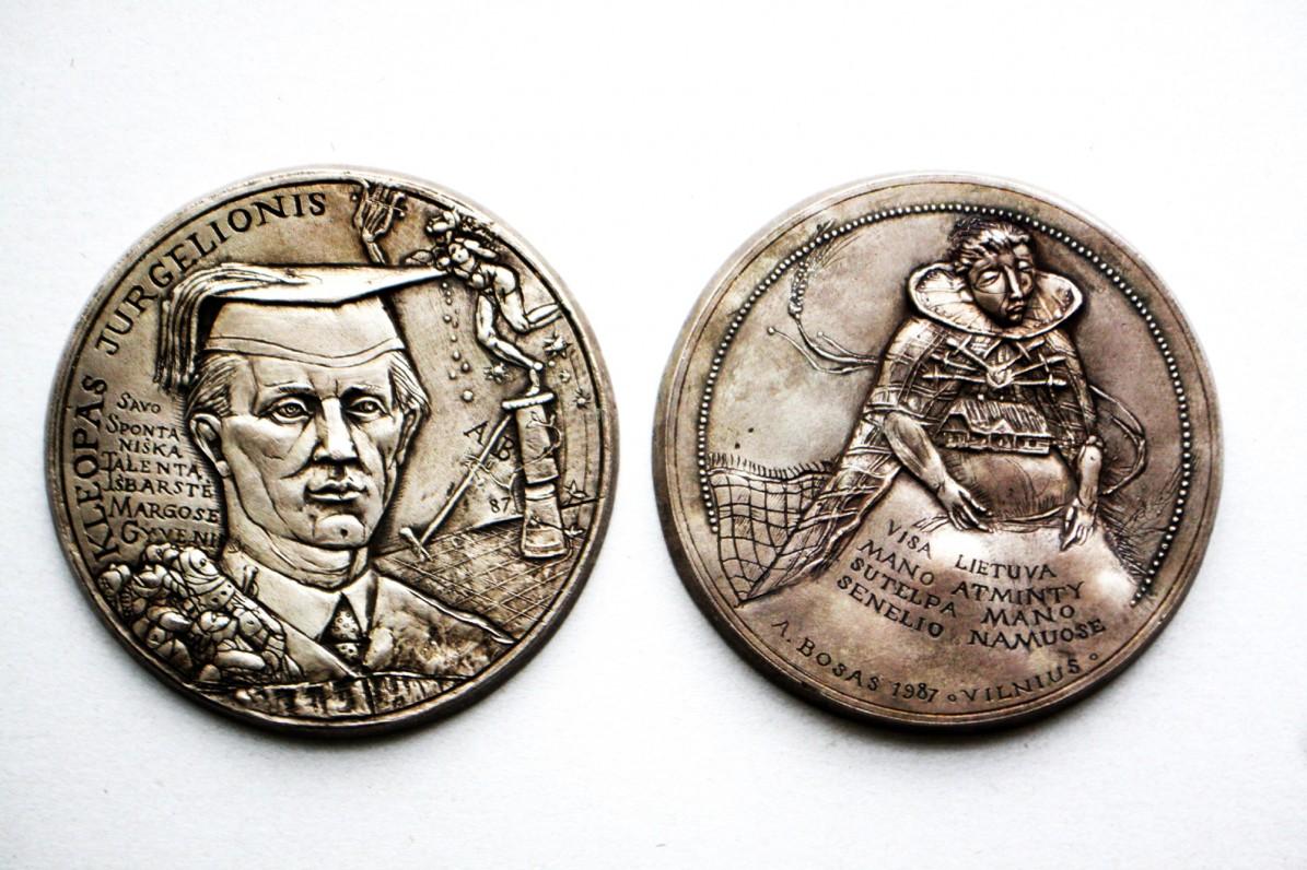 A. Boso sukurtas medalis, skirtas K. Jurgelioniui. Vilnius, 1987 m.