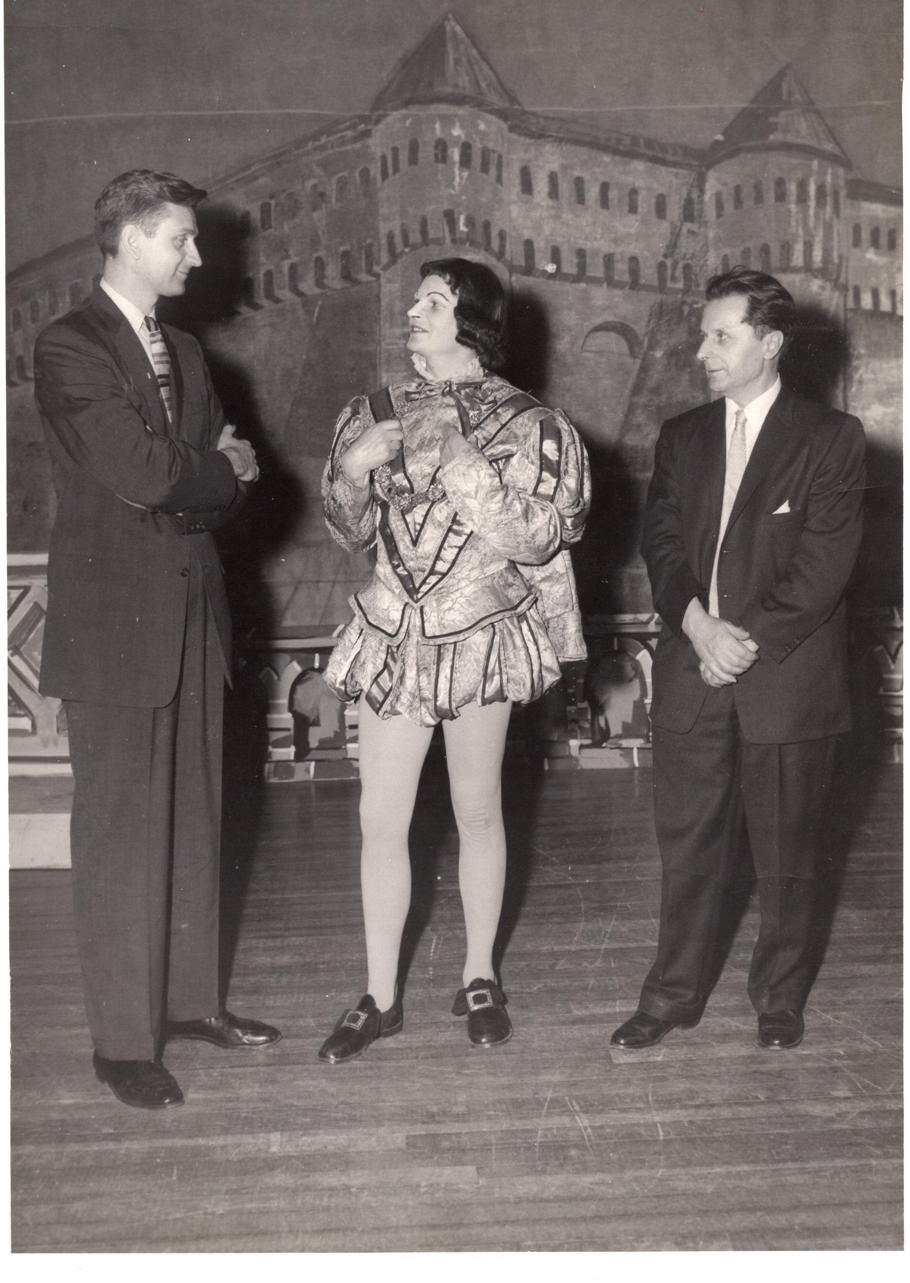"""A. Landsbergio pjesės """"Vėjas glosniuose"""" pastatymas. JAV, 1958 m."""