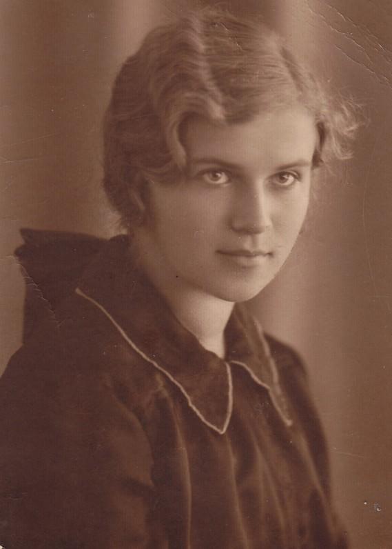 A. Liobytė – Vilniaus universiteto studentė. Vilnius, 1932 m. rugsėjo 17 d.
