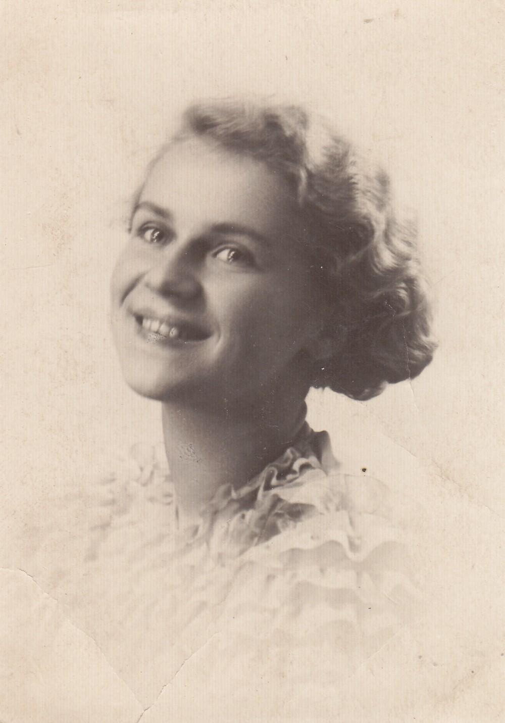 A. Liobytė – Vytauto Didžiojo universiteto studentė. Kaunas, 1937 m.