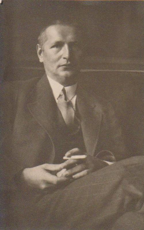 Apie 1930 m.
