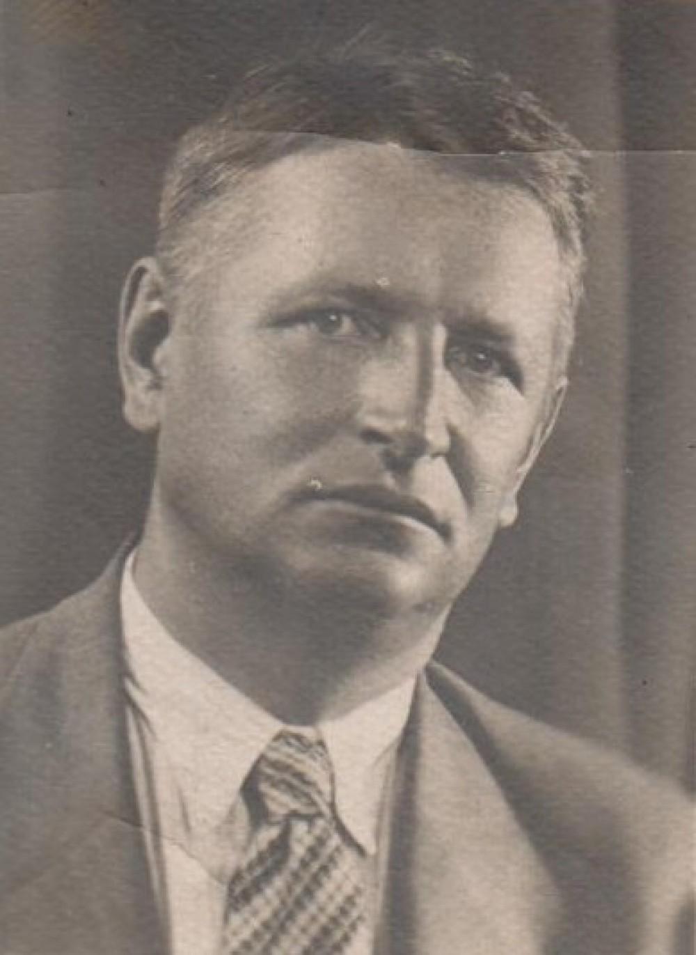 Apie 1938 m.