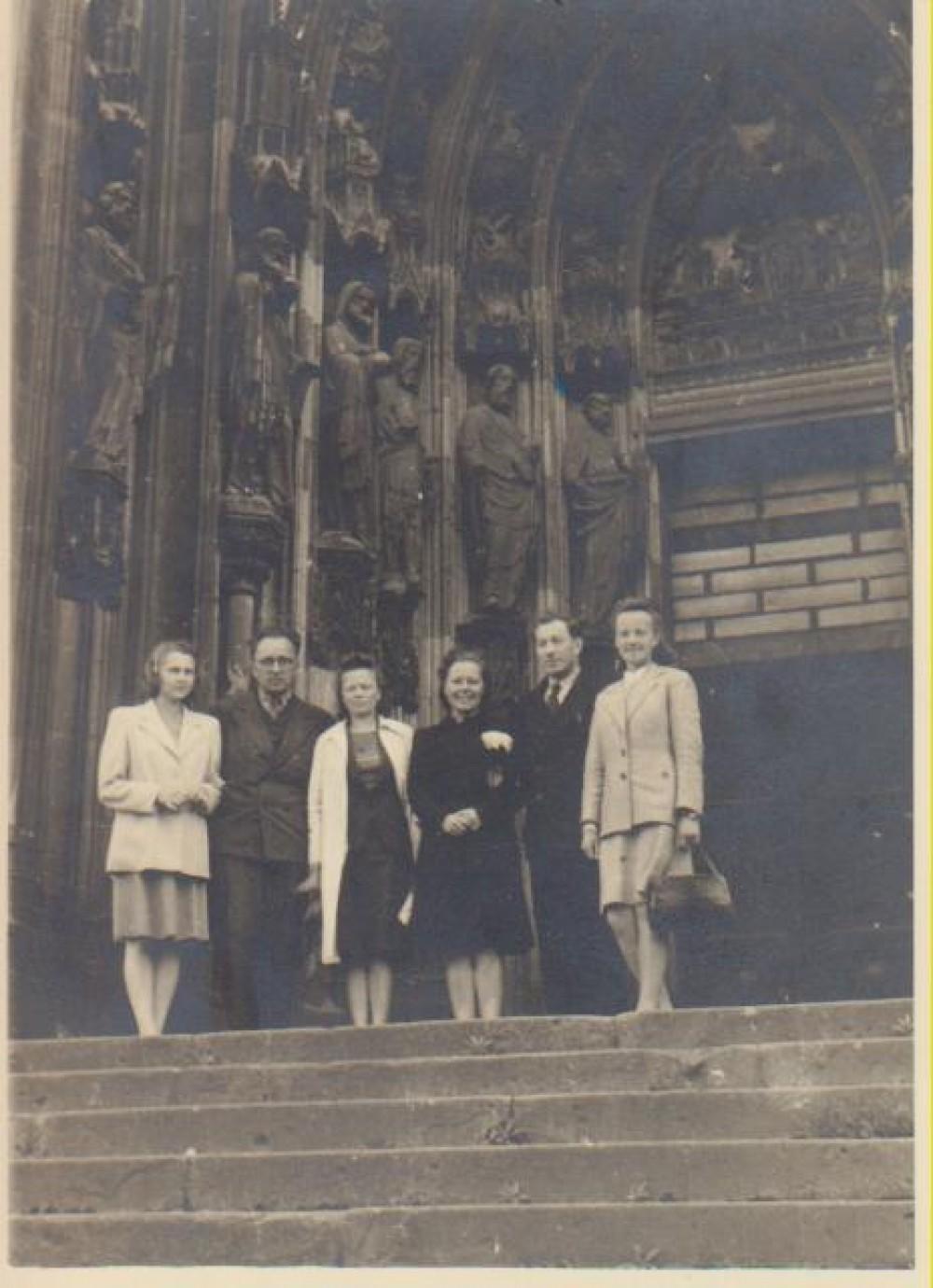 Ateitininkų suvažiavimas Vokietijoje. Alė Rūta – pirma iš kairės. 1947 m.