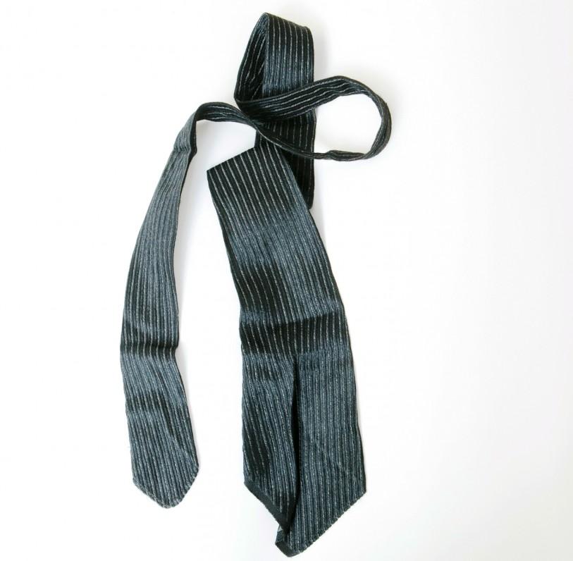 B. Sruogos kaklaraištis