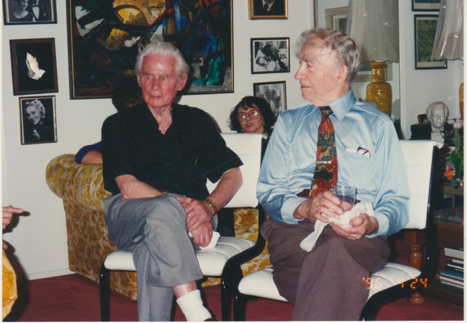B. Brazdžionis (dešinėje) ir Edmundas Arbas Kalifornijoje. 1996 m.