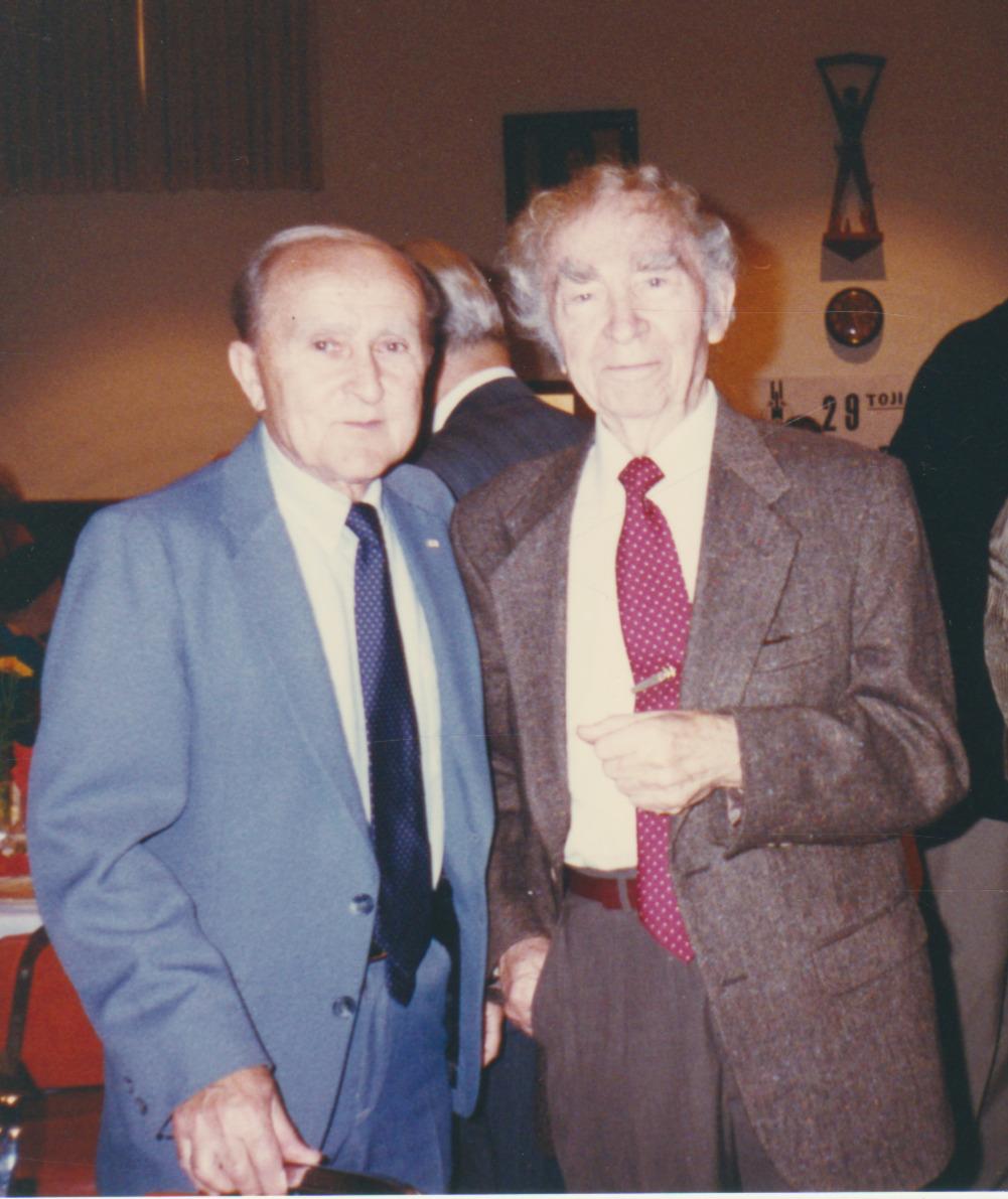 B. Brazdžionis (dešinėje) ir Pranas Visvydas. Kalifornija. 1996 m.