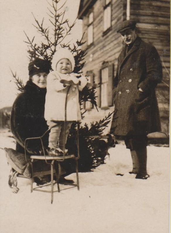 Balys Sruoga žmona Vanda ir dukra Dalia. Kaunas, 1926 m.