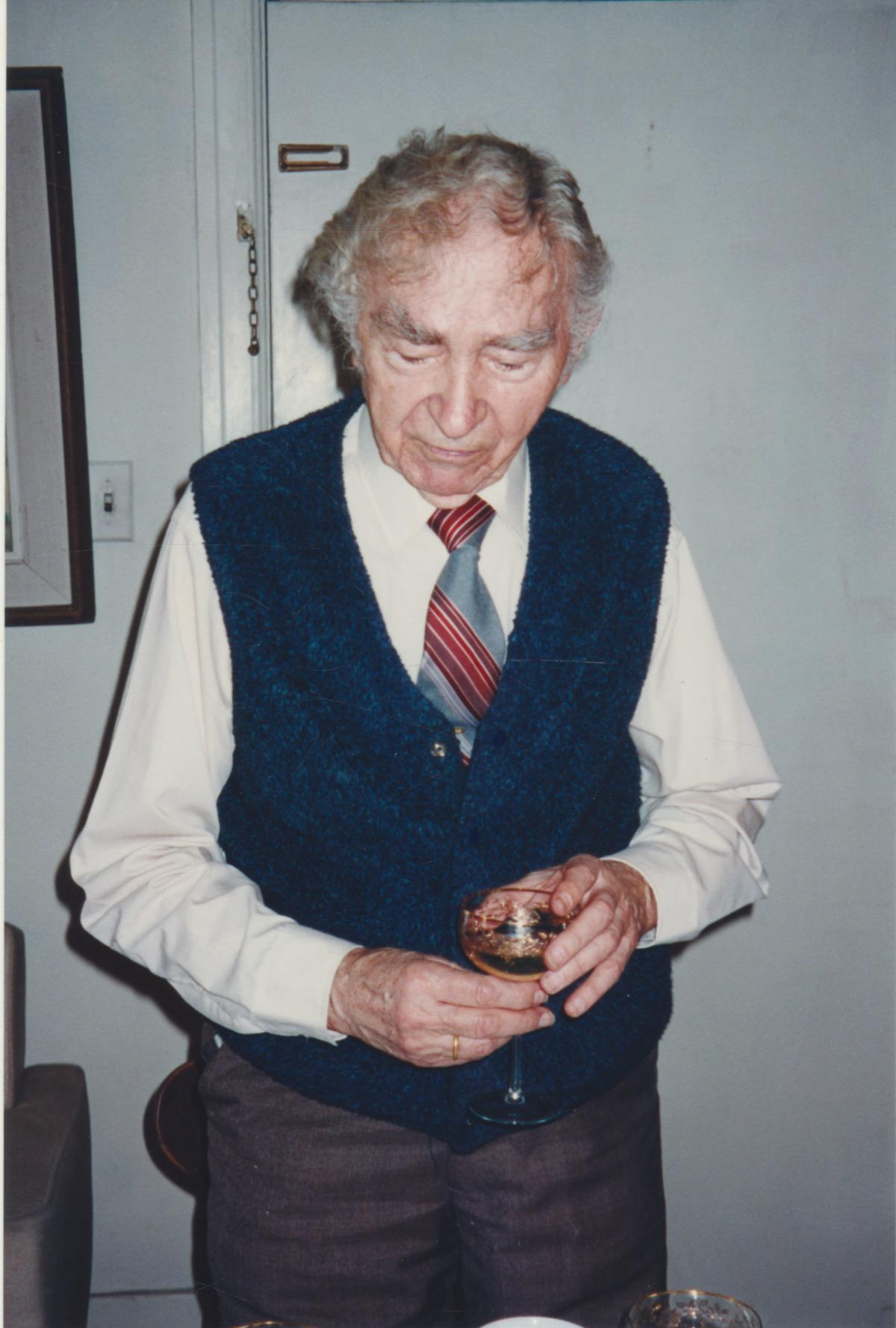 B. Brazdžionis Kalifornijoje 1994 m. vasario 2 d.
