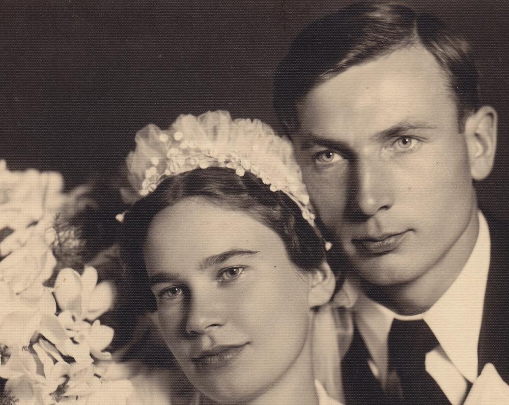 D. Lipčiūtė ir Paulius Augustinavičius-Augius vestuvių dieną. Kaunas, 1938 m. spalio 1 d.