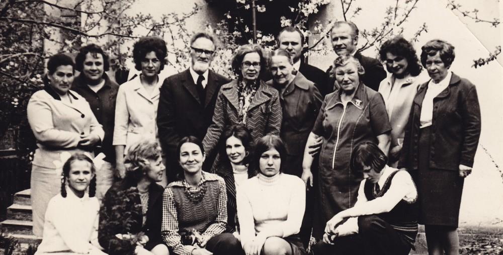 D. Lipčiūtės viešnagės Lietuvoje metu su giminėmis. 1976 m. gegužės 18 d. Danutė – iš kairės penkta