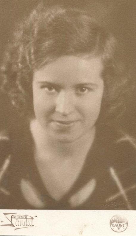 Danutė Čiurlionytė (vėliau Zubovienė). Apie 1930 m.