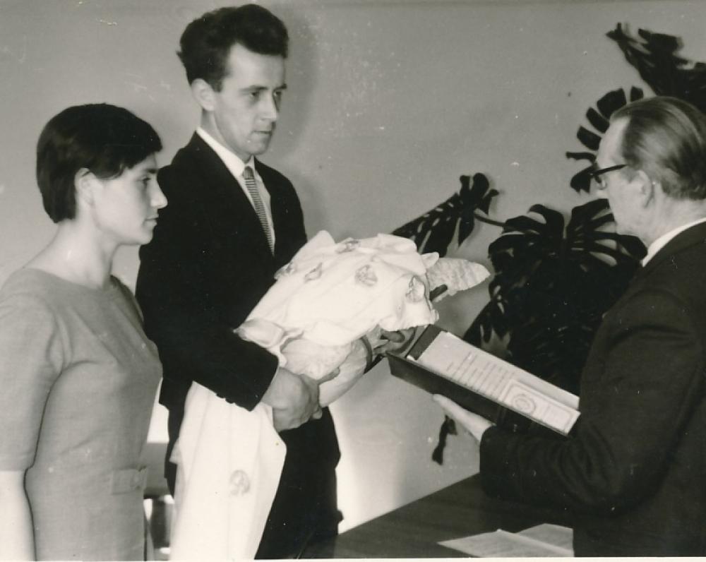 Draugo vaiko krikštynose. Klaipėda. Apie 1963 m.