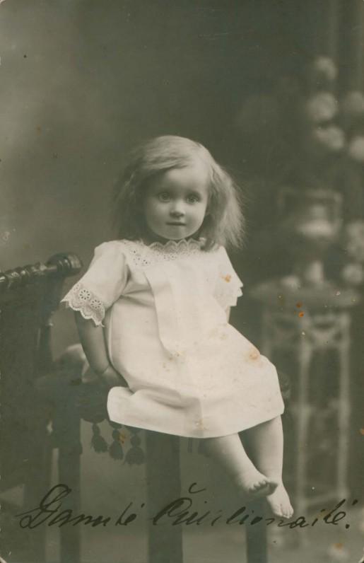 Dukra Danutė vaikystėje