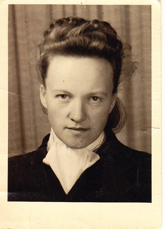 Elena Nakaitė. Vilnius, apie 1942 m.