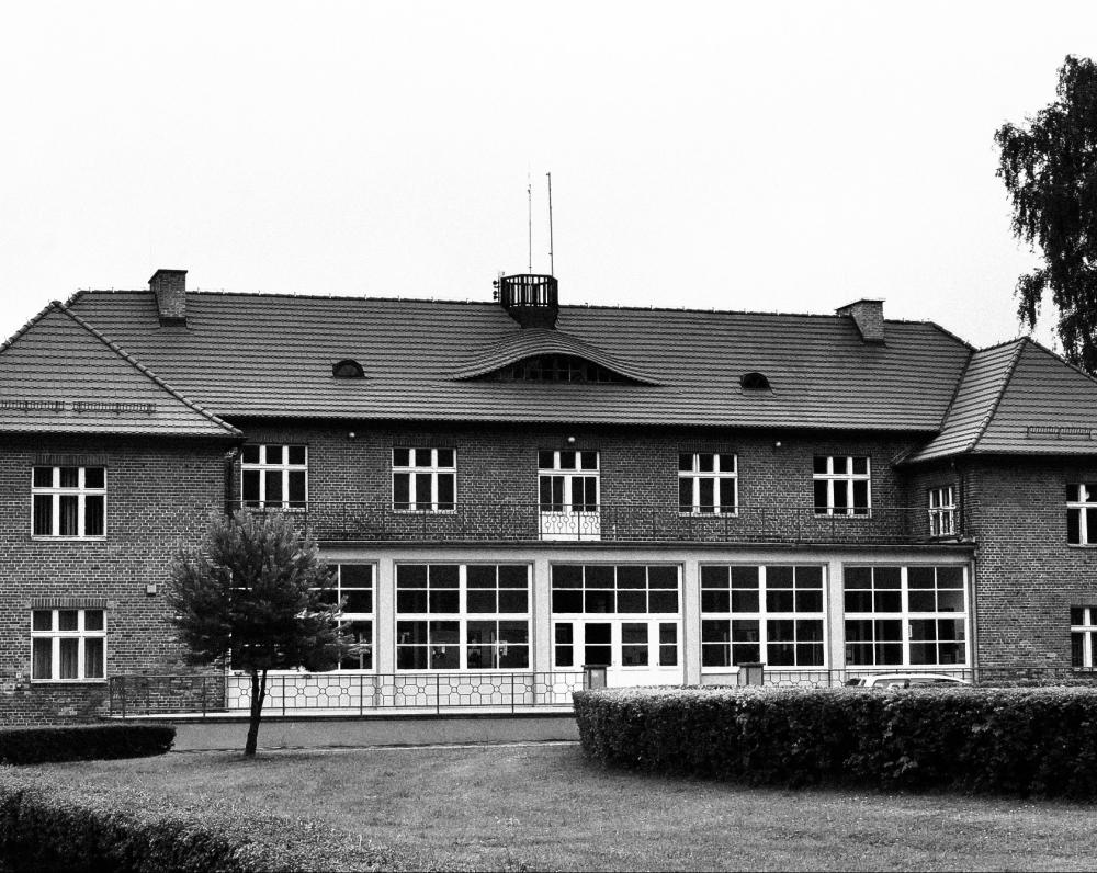 Esesininkų komendantūra dabar. Jame įsikūrusi Štuthofo muziejaus administracija