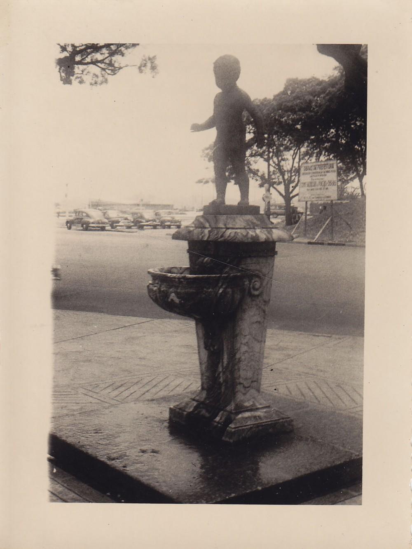 Fontanas su berniuko skulptūra. Brazilija, apie 1946–1950 m.