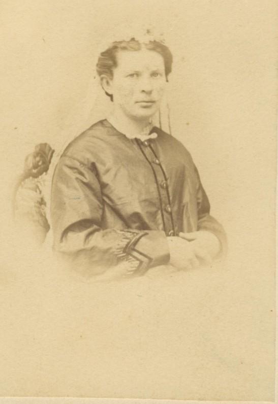 G. Petkevičaitės mama Malvina Chodakauskaitė-Petkevičienė. 1860 m.