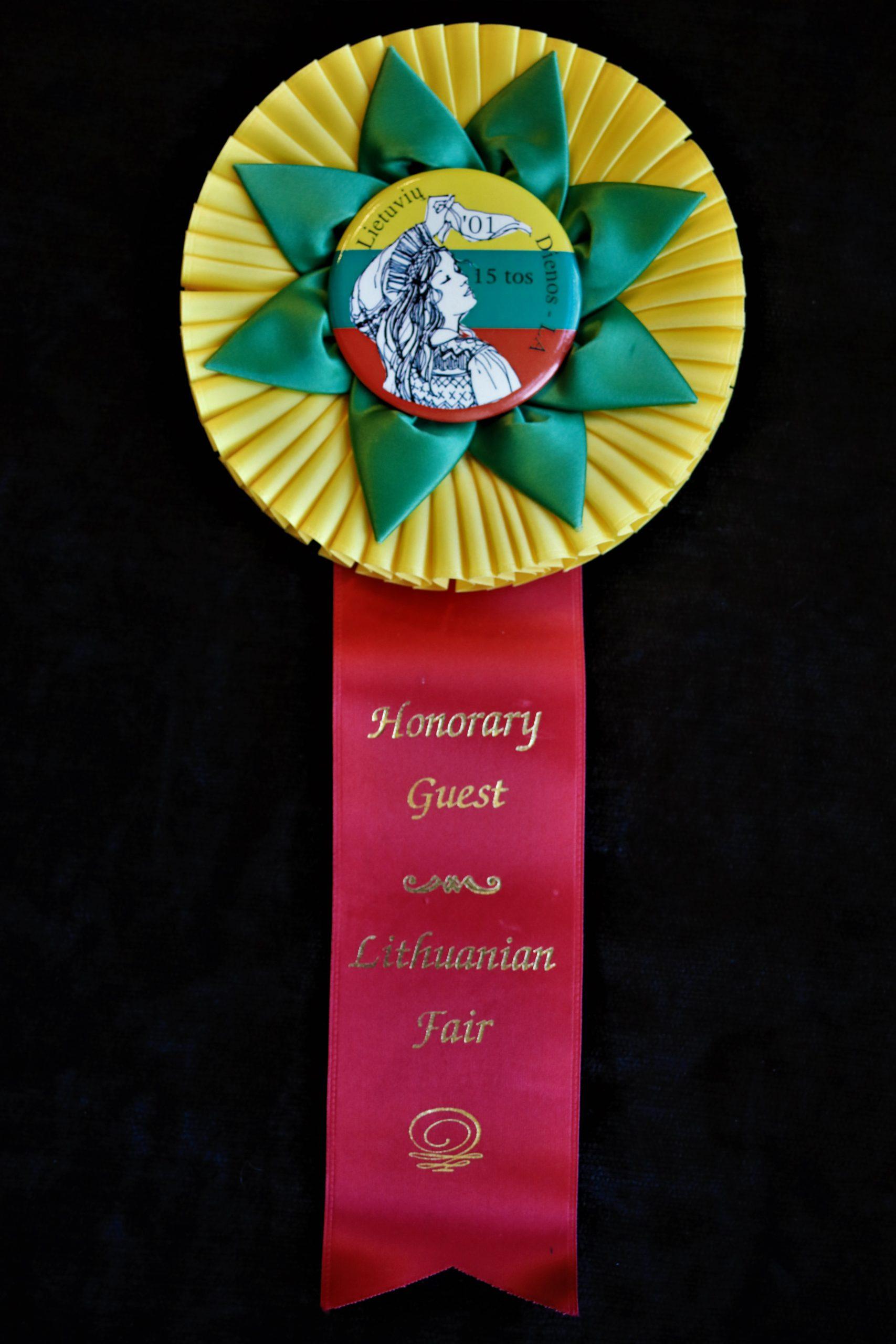 2001 m. Lietuvių Dienų šventės Los Andžele ženklelis