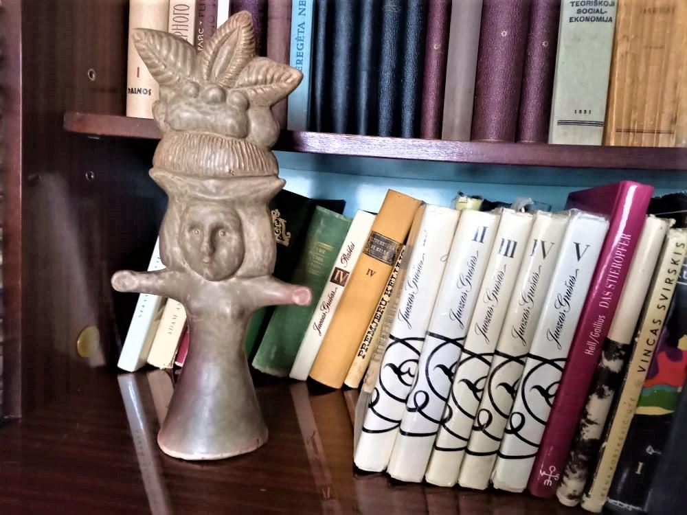 J. Grušo memorialinės bibliotekos fragmentas