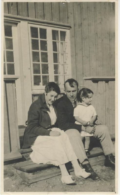 J. Savickis su žmona Ida ir sūneliu Algirdu. Kopenhaga, 1921 m.