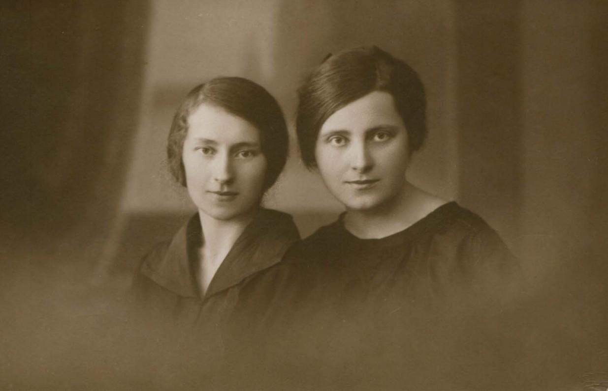 Jadvyga Čiurlionytė ir Sofija Čiurlionienė. Apie 1920 m.