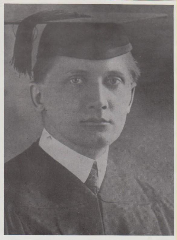 K. Jurgelionis, įgijęs teisininko diplomą. Čikaga, 1919 m. Nuotraukos kopija