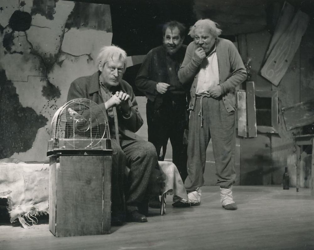"""K. Ostrausko drama """"Kanarėlė"""". Niujorkas, 1961 m. Iš kairės – V. Valiukas, L. Karmazinas, K. Vasiliauskas"""