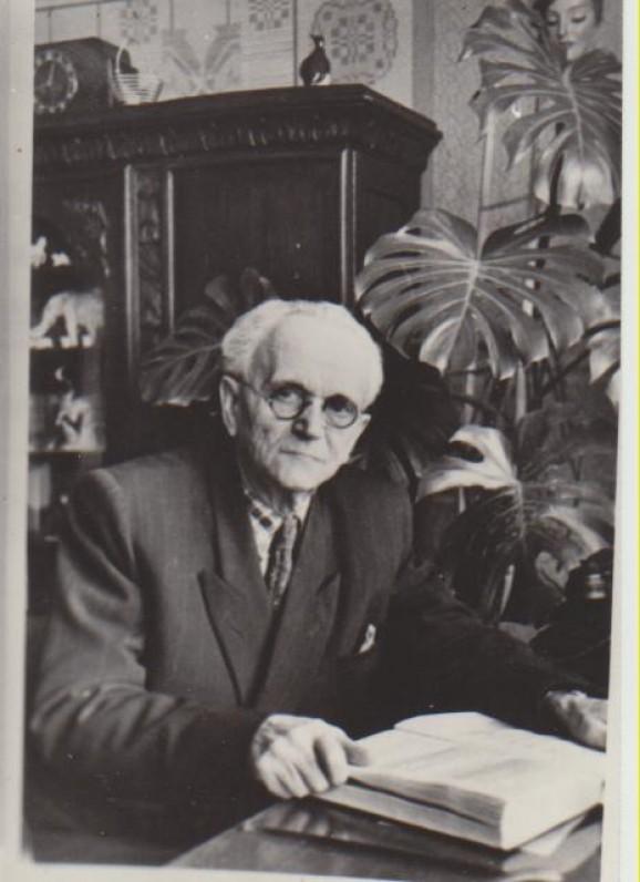 Karolis Račkauskas-Vairas, jaunystės bičiulis, rašytojas. 1957 m.