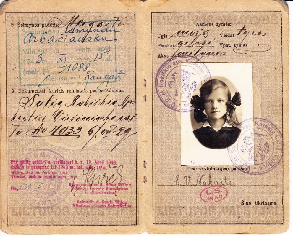 LR pasas, išduotas Elenai Viktorijai Nakaitei 1929 m. Rokiškyje