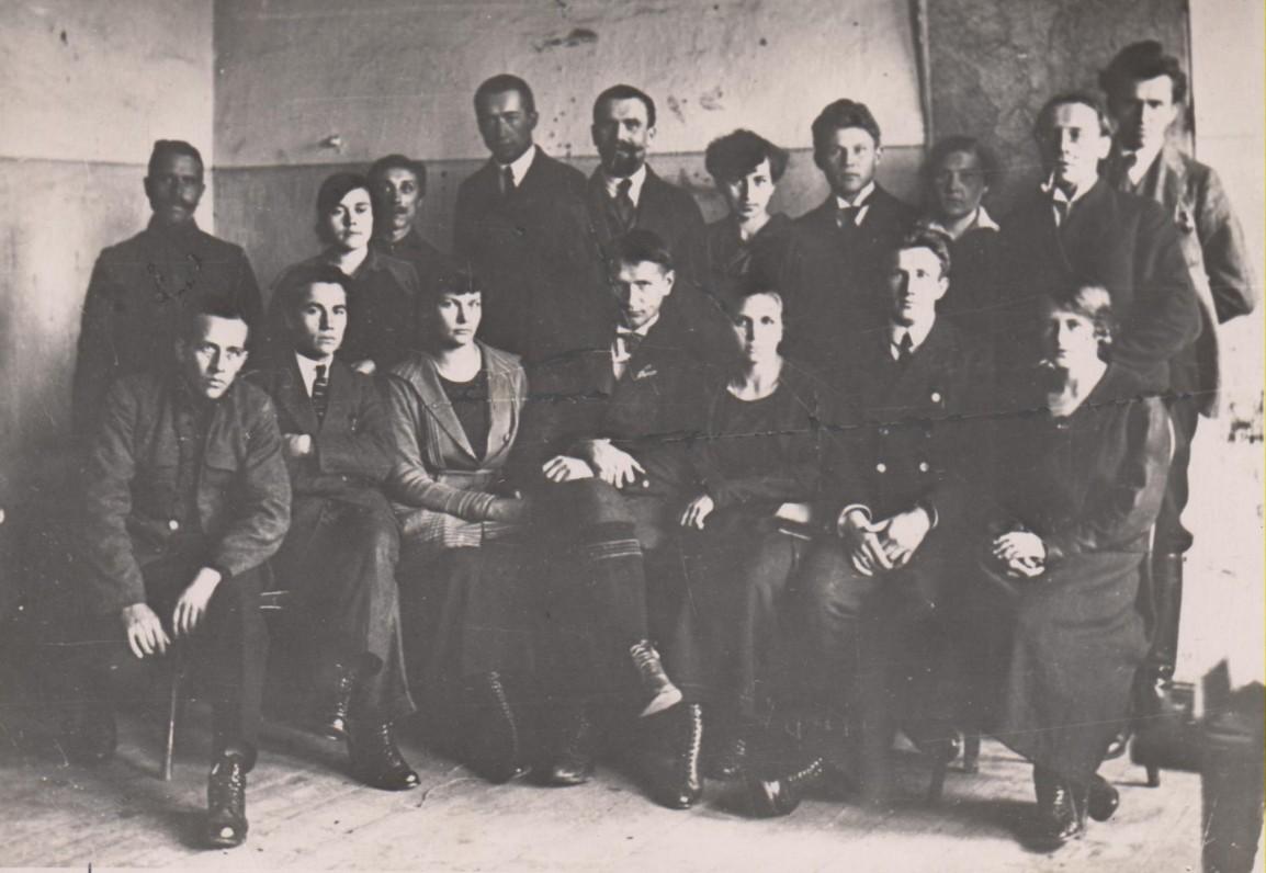 """Laikraščio """"Lietuva"""" redakcijos darbuotojai. 1921 m."""