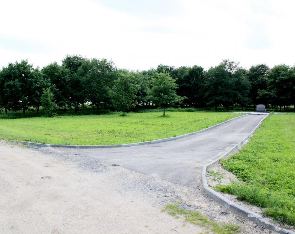 Lazdynėliuose poetas gimė 1714 m. sausio 1 d., dabar tai Višnevkos kaimo teritorija