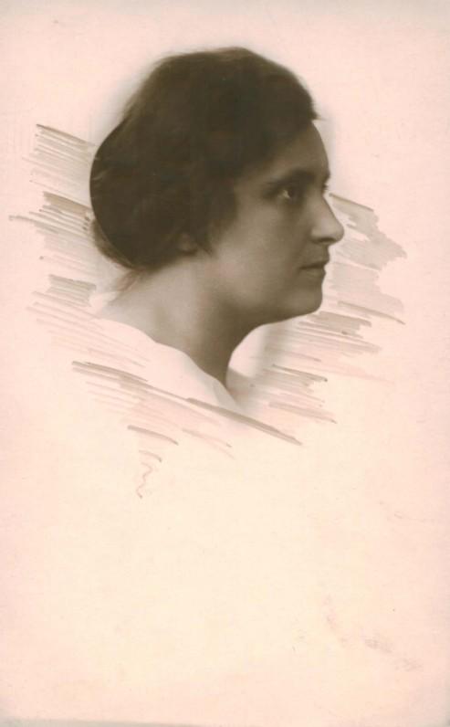 Lietuvos universiteto profesorė. K. Baulo nuotrauka. Apie 1929 m.
