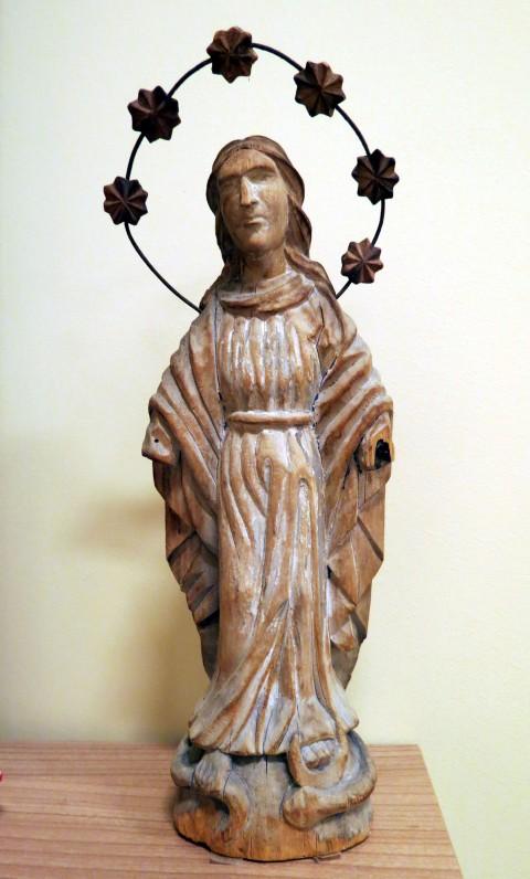 Madona – Švč. Mergelė Maloningoji, 19 a., iš Kupiškio apylinkių, medis. Aukštis – 31 cm