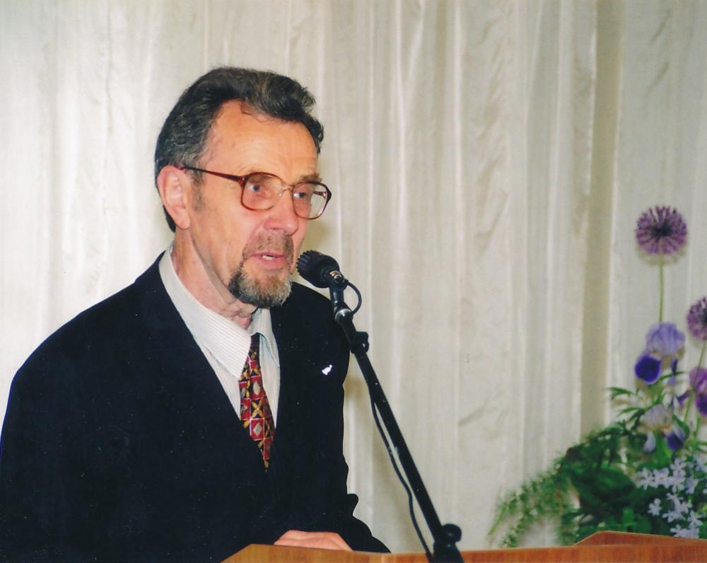 """Maironio namuose pristatant knygą """"Obelis Katedros aikštėje"""". 2006 m. R. Šaknio nuotrauka"""