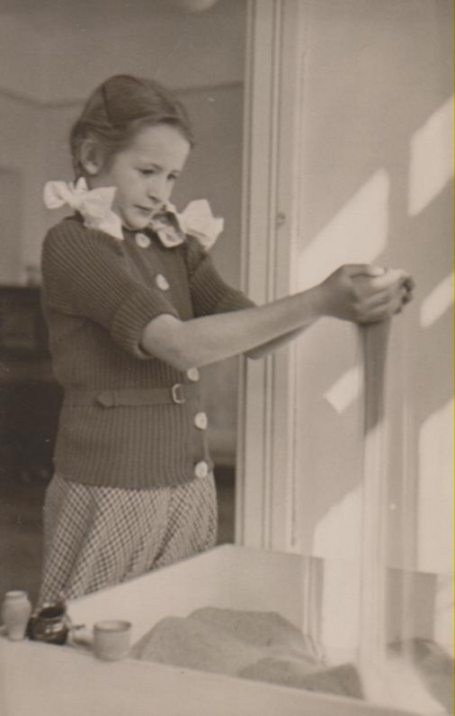 Marijos Nemeikšaitės vaikų darželyje. Kaunas, 1932 m.
