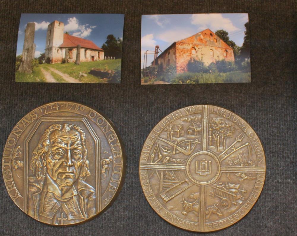 Medalis, skirtas K. Donelaičio 275-osioms gimimo metinėms. Skulpt. Petras Gintalas. 1988 m.