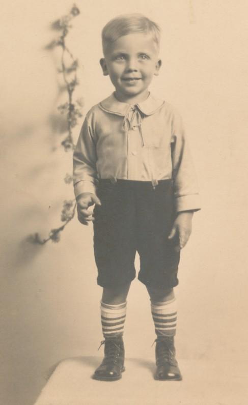 Miltonas Starkus. Apie 1930 m.