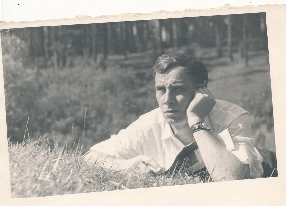 Nuotrauka pirmajai knygai. Vingio parke Vilniuje. 1966 m.