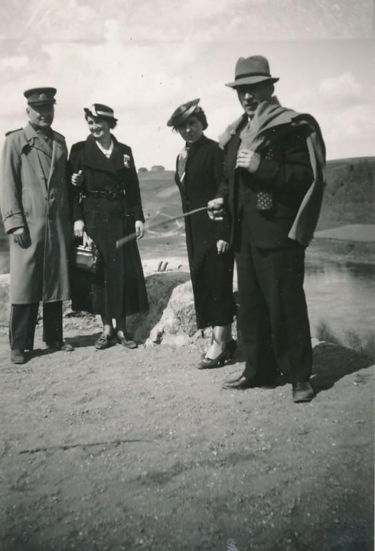 P. Orintaitė ir kiti po literatūros vakaro Alytuje. 1937 m.