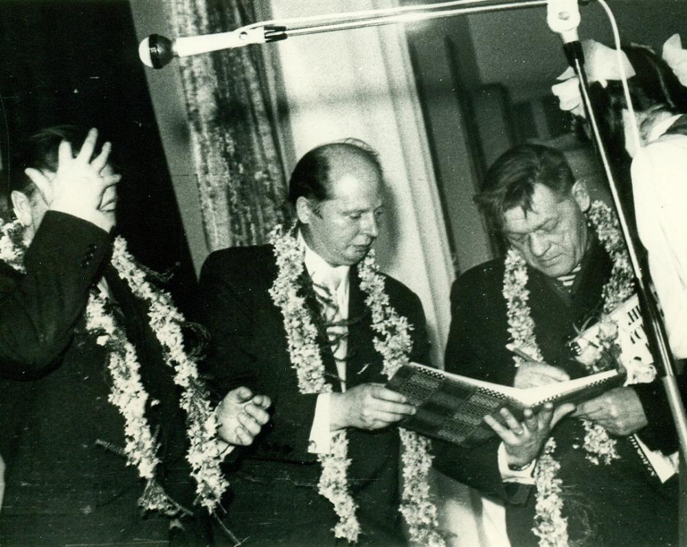P. Širvys, V. Paltanavičius (viduryje) ir J. Šiožinys poezijos vakare Utenos centrinėje bibliotekoje. Utena, 1974 m. J. Juodvalkio nuotrauka